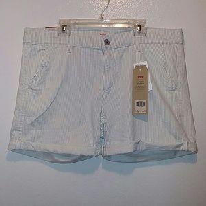 NWT Levis Classic Shorts